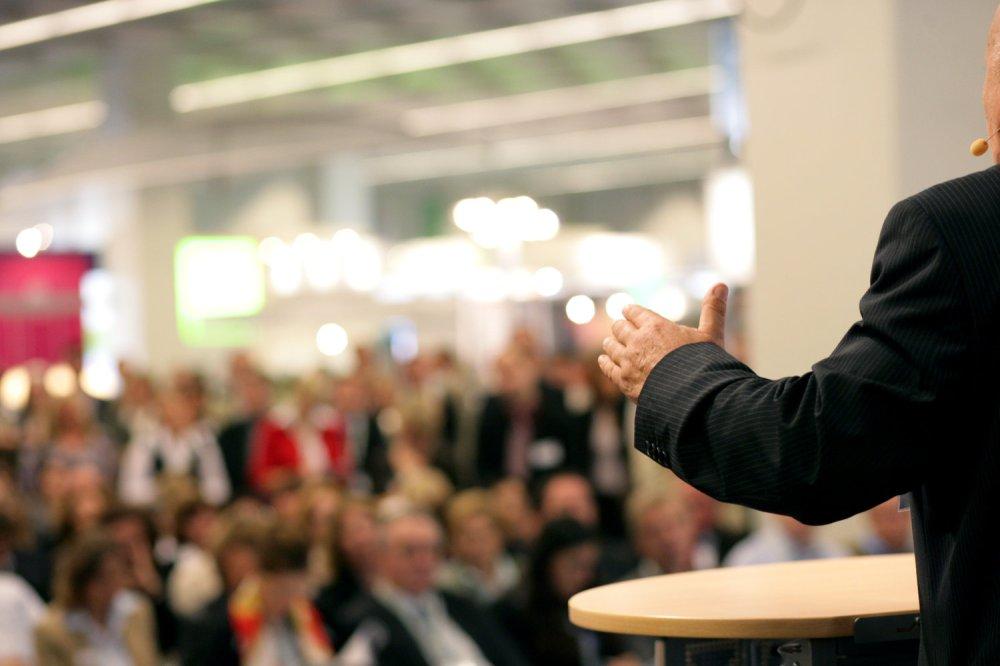 orator in public